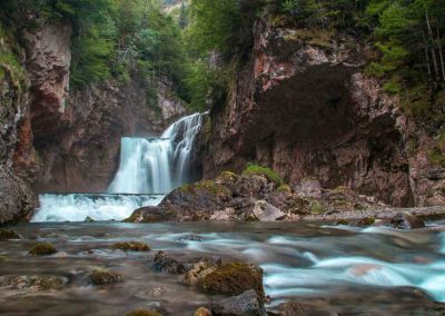 waterfall-hiking-spain-national-park