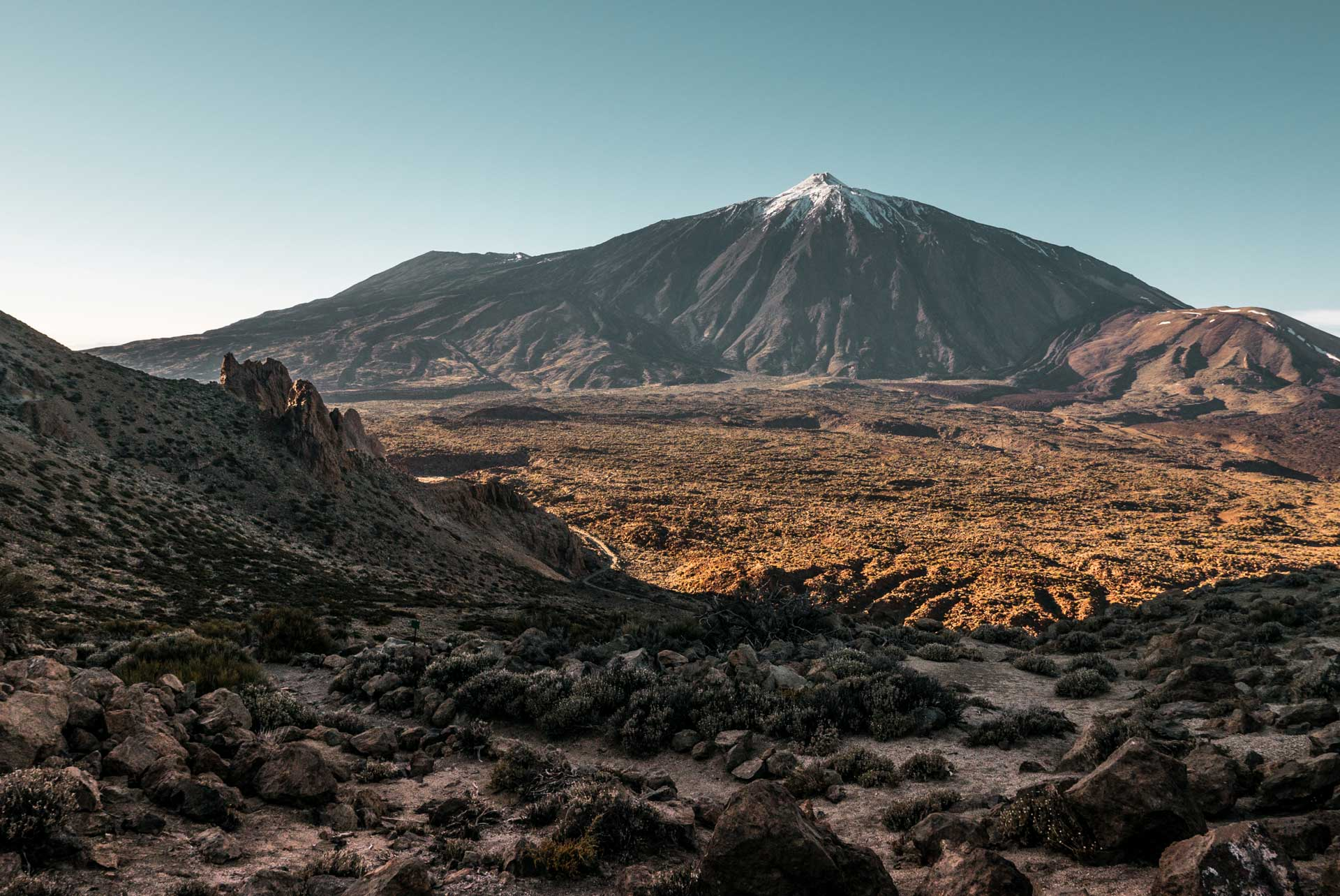 hiking volcano teide