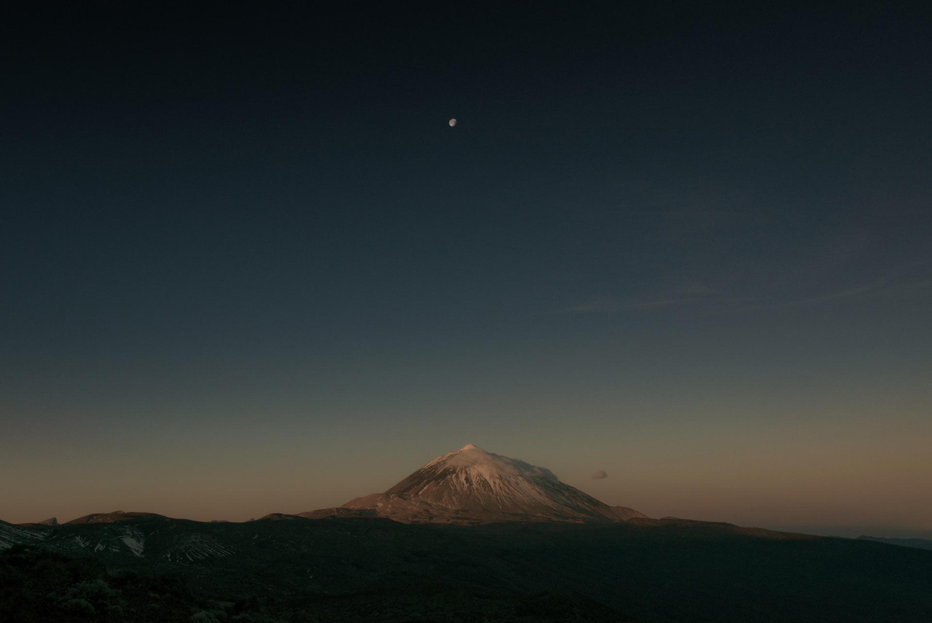 moon-tenerife-landscape-teide