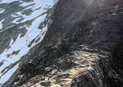 middagsaksle-ridge-narrow-rocky-point-tromso