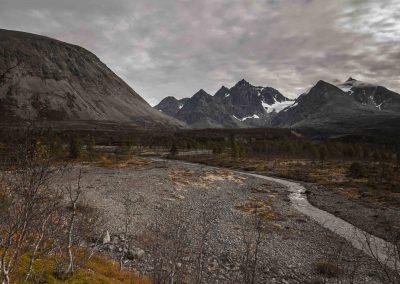 glacier-lyngen-alps-troms-blavatn