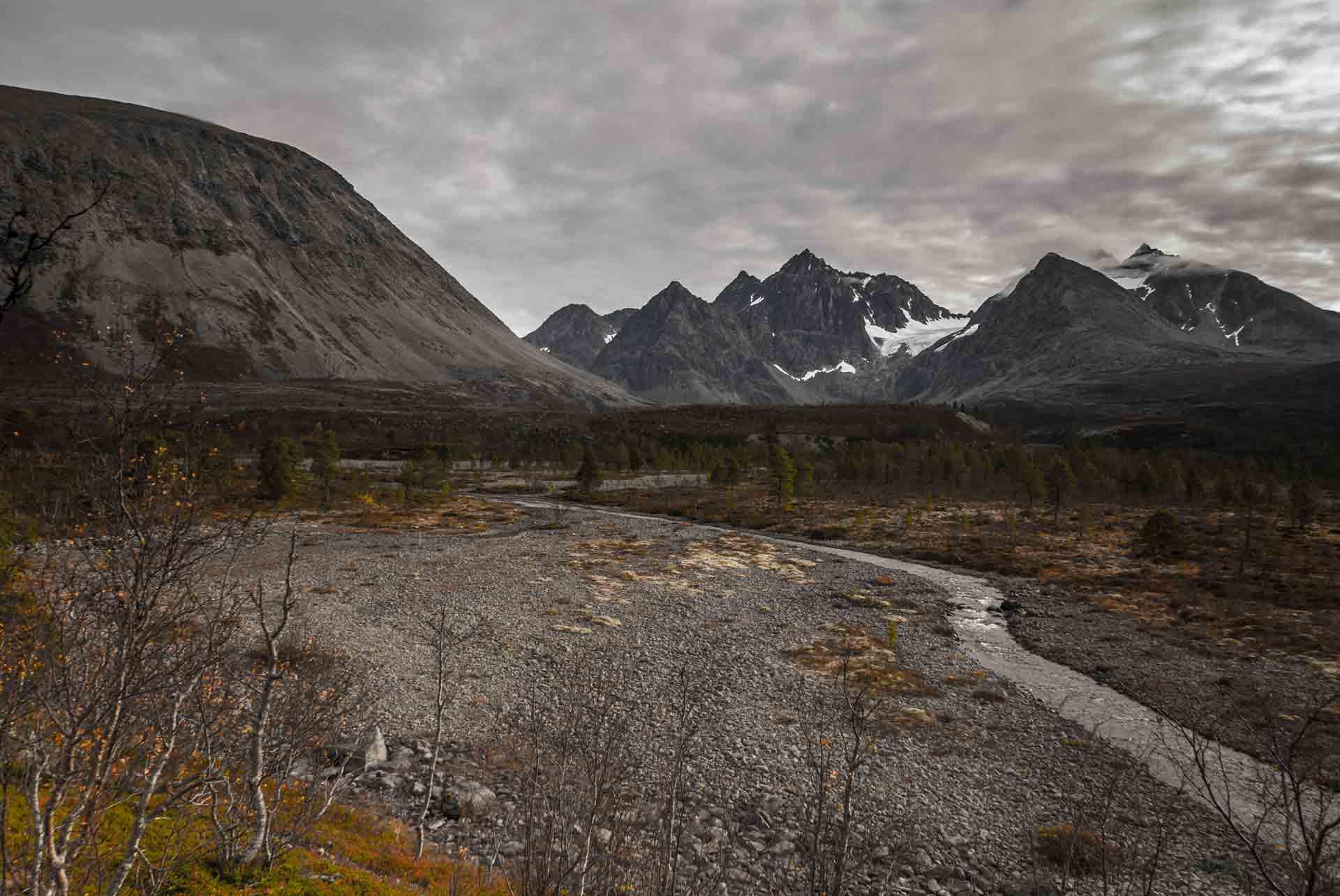 valley-river-lyngen-norway-walk